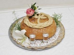 przywitanie pary młodej chlebem i solą